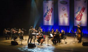 Concertos Dana Com Yamandu Costa Foto: Fernanda Chemale