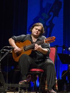 Yamandu: o instrumentista de sete cordas - Foto: Fernanda Chemale