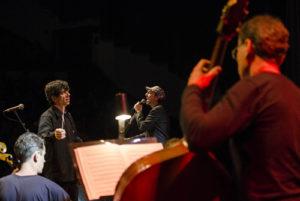 Tiago Flores, Zeca Baleiro e Orquestra - Foto: Fernanda Chemale