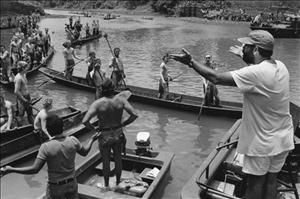 """Coppola no set de """"Apocalypse Now"""". Imagem: Divulgação"""