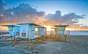 Lifeguard Towers - Carlsbad, California. Imagem: Mike Hill