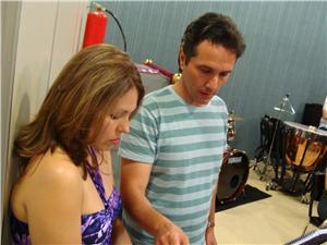 Cintia de Los Santos e Paulo Mestre: concentração - Imagem: Manuela Colla