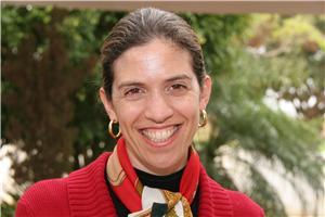 A assistente social Maíra é só sorrisos. Imagem: Marcos Massa