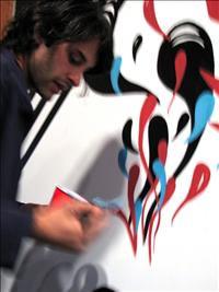 Preparando a exposição nos EUA. Imagem: Brian Eder