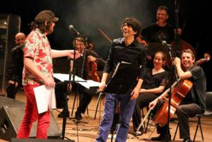 Beto Bruno, Tiago Flores e Orquestra - Foto: Marcos Massa